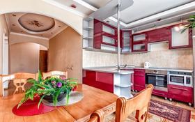 2-комнатная квартира, 110 м², 20/41 этаж посуточно, Достык 5 — Сауран за 13 000 〒 в Нур-Султане (Астана), Есиль р-н