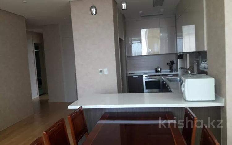 2-комнатная квартира, 90 м², 5/25 этаж посуточно, Байтурсынова 5 за 17 000 〒 в Нур-Султане (Астана)