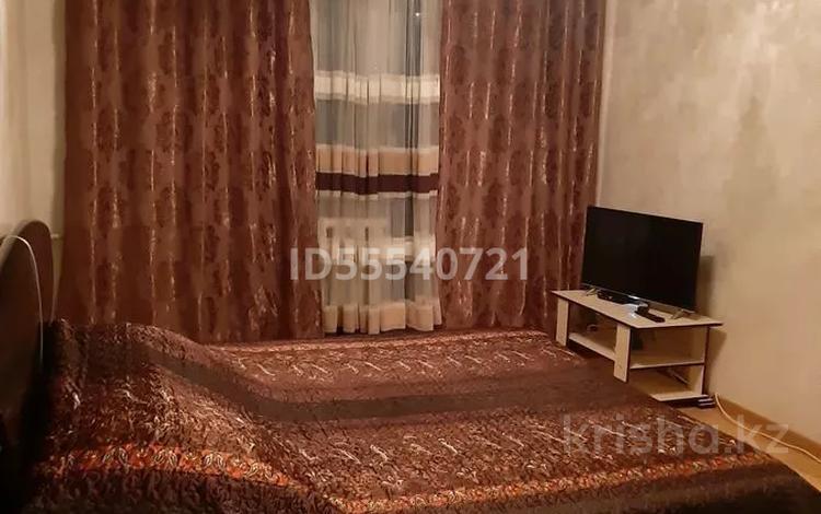 1-комнатная квартира, 38 м², 2/4 этаж посуточно, Ниеткалиева 6 — Койгельды за 7 000 〒 в Таразе