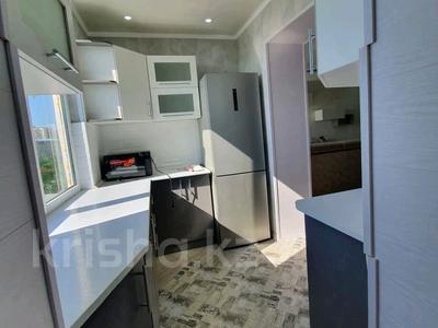 3-комнатная квартира, 70 м², 5/5 этаж помесячно, 18 мкр 56 за 150 000 〒 в Шымкенте