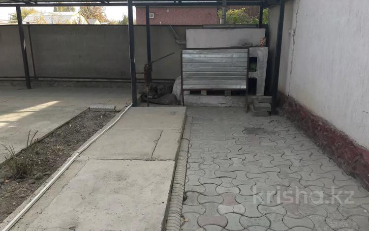 9-комнатный дом, 280 м², 6.9 сот., Комратова — Ташкентская за 45 млн 〒 в Таразе