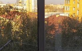 3-комнатная квартира, 60 м², 5/5 этаж, мкр Михайловка 43 за 20.5 млн 〒 в Караганде, Казыбек би р-н