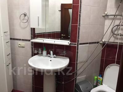 3-комнатная квартира, 140 м², 3/18 этаж посуточно, Курмангазы 145 — Муканова за 16 000 〒 в Алматы, Алмалинский р-н — фото 15