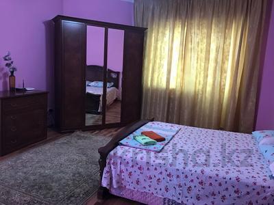 3-комнатная квартира, 140 м², 3/18 этаж посуточно, Курмангазы 145 — Муканова за 16 000 〒 в Алматы, Алмалинский р-н — фото 6