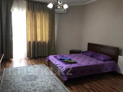 3-комнатная квартира, 140 м², 3/18 этаж посуточно, Курмангазы 145 — Муканова за 16 000 〒 в Алматы, Алмалинский р-н — фото 8