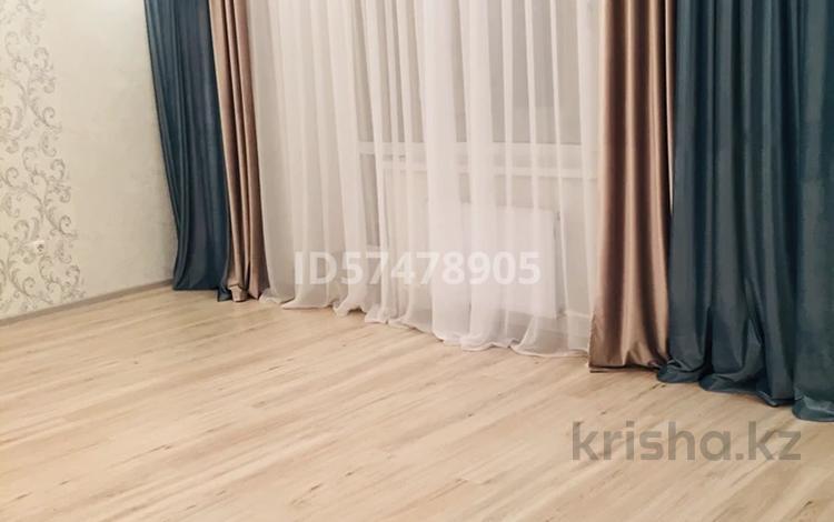 3-комнатная квартира, 92.9 м², 1/5 этаж, Кузембаева 82/2 за 17.3 млн 〒 в Караганде, Октябрьский р-н
