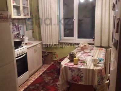 2-комнатная квартира, 52 м², 2/5 этаж, мкр Аксай-3Б за 17 млн 〒 в Алматы, Ауэзовский р-н