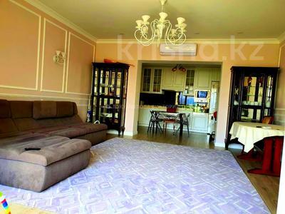 3-комнатная квартира, 110 м², 10/10 этаж, Досмухамедова — Жамбыла за 59.5 млн 〒 в Алматы, Алмалинский р-н