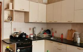 1-комнатная квартира, 35.8 м², 2/5 этаж, Тургенева 98 — проспект Алии Молдагуловой за 5.9 млн 〒 в Актобе
