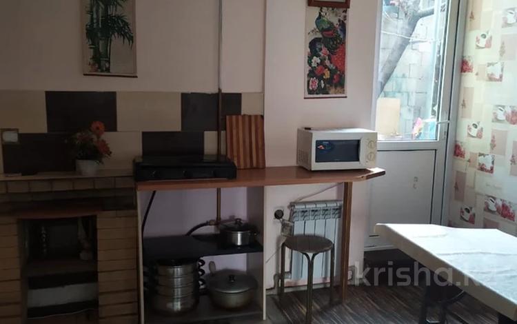 2-комнатный дом помесячно, 50 м², 1 сот., Муканова — Гоголя за 100 000 〒 в Алматы, Алмалинский р-н