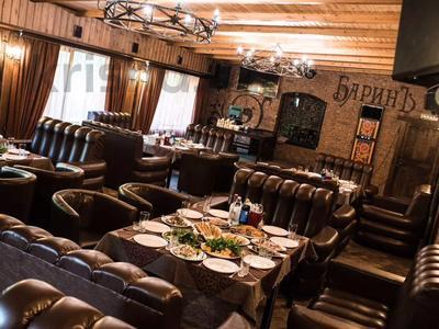 Здание, площадью 900 м², Гоголя — Новосёлов за 300 млн 〒 в Караганде, Казыбек би р-н