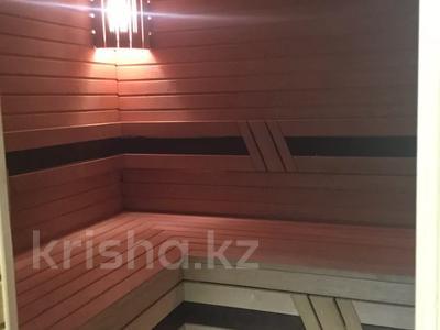 5-комнатная квартира, 240.1 м², 1/3 этаж, Военгородок за ~ 70 млн 〒 в Костанае — фото 12