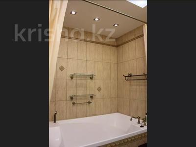 5-комнатная квартира, 240.1 м², 1/3 этаж, Военгородок за ~ 70 млн 〒 в Костанае — фото 24