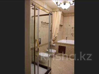 5-комнатная квартира, 240.1 м², 1/3 этаж, Военгородок за ~ 70 млн 〒 в Костанае — фото 30