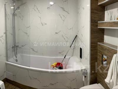 4-комнатная квартира, 126 м², 12/16 этаж, бульвар Мусрепова 22 за 79 млн 〒 в Алматы, Бостандыкский р-н — фото 13