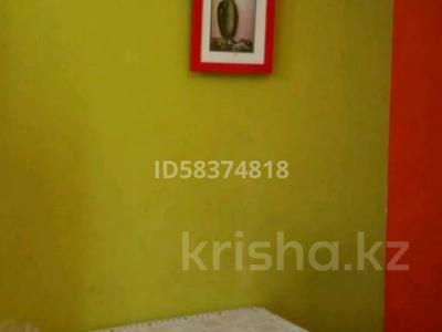 1-комнатная квартира, 34 м², 3/5 этаж посуточно, Мухита 128 — Маметова за 5 000 〒 в Уральске — фото 5