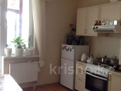 2-комнатная квартира, 63 м², 3/9 этаж помесячно, Ауэзова 11 за 110 000 〒 в Алматы, Бостандыкский р-н