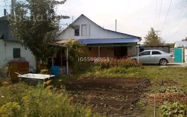 4-комнатный дом, 100 м², 12 сот., 19 91 за 6 млн 〒 в Усть-Каменогорске