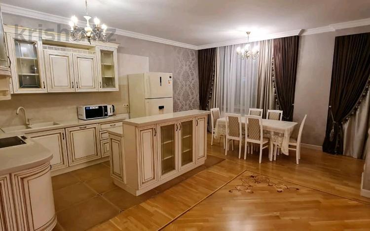 3-комнатная квартира, 170 м², 12/30 этаж посуточно, Аль-Фараби 7к5а — Козыбаева за 55 000 〒 в Алматы