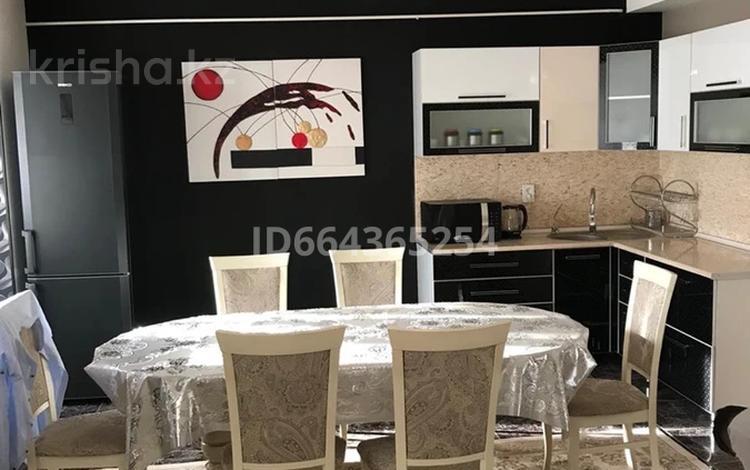 3-комнатная квартира, 100 м², 2/5 этаж, Каратай Турысова 3Д за 40 млн 〒 в Таразе