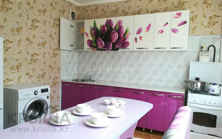 1-комнатная квартира, 48 м², 3/10 этаж посуточно, мкр Таугуль-2, Черепанова 38 за 7 000 〒 в Алматы, Ауэзовский р-н
