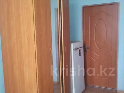 1 комната, 28 м², Крамского 27 — Ермекова за 36 000 〒 в Караганде, Казыбек би р-н — фото 2