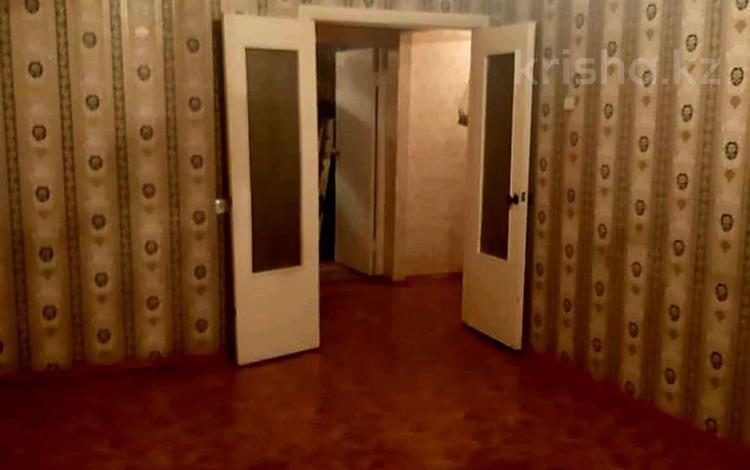 2-комнатная квартира, 49 м², 4/5 этаж, 18 мкр 18 за 15 млн 〒 в Шымкенте