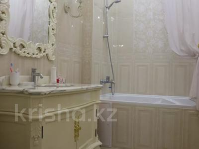 4-комнатная квартира, 150 м², 4/7 этаж помесячно, проспект Мангилик Ел 23 — Ханов Керея и Жанибека за 850 000 〒 в Нур-Султане (Астана), Есиль р-н — фото 12