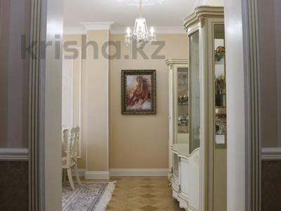 4-комнатная квартира, 150 м², 4/7 этаж помесячно, проспект Мангилик Ел 23 — Ханов Керея и Жанибека за 850 000 〒 в Нур-Султане (Астана), Есиль р-н — фото 13