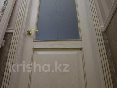 4-комнатная квартира, 150 м², 4/7 этаж помесячно, проспект Мангилик Ел 23 — Ханов Керея и Жанибека за 850 000 〒 в Нур-Султане (Астана), Есиль р-н — фото 5