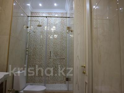 4-комнатная квартира, 150 м², 4/7 этаж помесячно, проспект Мангилик Ел 23 — Ханов Керея и Жанибека за 850 000 〒 в Нур-Султане (Астана), Есиль р-н — фото 8