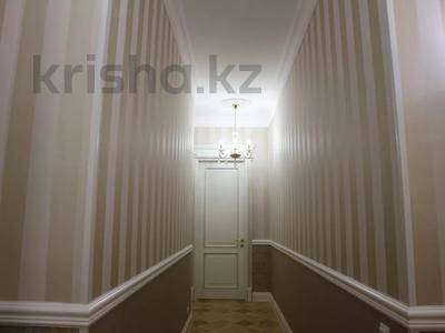 4-комнатная квартира, 150 м², 4/7 этаж помесячно, проспект Мангилик Ел 23 — Ханов Керея и Жанибека за 850 000 〒 в Нур-Султане (Астана), Есиль р-н — фото 9