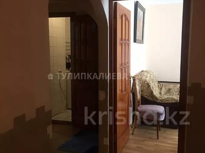 4-комнатная квартира, 86 м², 4/5 этаж, мкр Аксай-5, Бауыржана Момышулы — Жубанова за 28 млн 〒 в Алматы, Ауэзовский р-н — фото 4