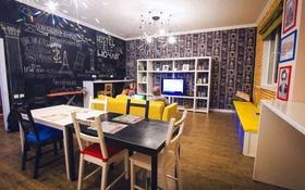 5-комнатная квартира, 200 м², 2/10 этаж помесячно, Сарайшык 38 — Туркисиан, Сарайшык за 450 000 〒 в Нур-Султане (Астана), Есиль р-н