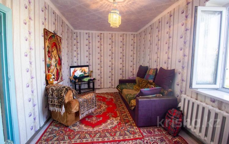 2-комнатная квартира, 54 м², 3/5 этаж, 4 Мкр за 12.5 млн 〒 в Талдыкоргане