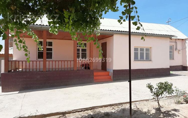 4-комнатный дом, 100 м², 10 сот., Тәуелсіздіктің 20 жылд 20 за 11 млн 〒 в Сарыагаш