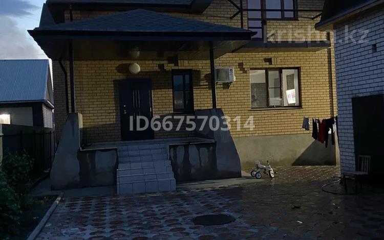 6-комнатный дом, 230 м², 11 сот., 2 переулок Жастар 7 — ул. Физкультурная за 79 млн 〒 в Семее
