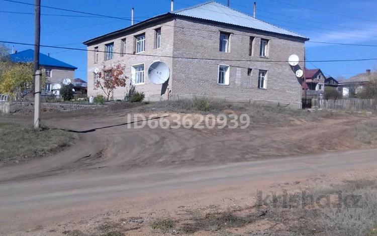 2-комнатная квартира, 49 м², 1/2 этаж, улица Энергетиков 7/1 за 6.5 млн 〒 в Щучинске