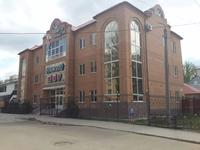Здание, площадью 1475 м²