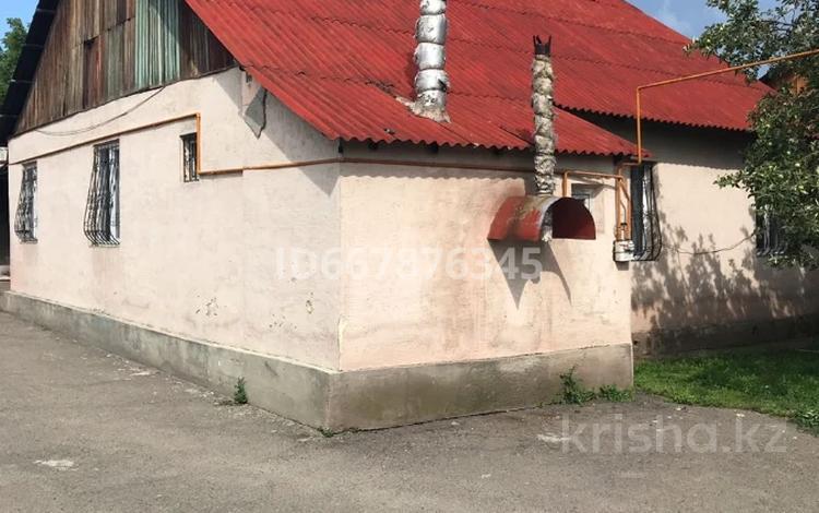3-комнатный дом, 88 м², 8 сот., Байтурсынова за 26 млн 〒 в