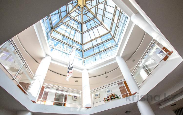 Офис площадью 120 м², проспект Достык за 720 000 〒 в Алматы, Медеуский р-н