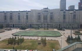 3-комнатная квартира, 107 м², 5/12 этаж помесячно, Кунаева 14 — Туркестан за 300 000 〒 в Нур-Султане (Астана), Есиль р-н