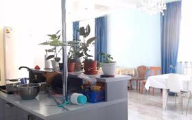 5-комнатный дом, 217 м², 6 сот., мкр Алатау за 79 млн 〒 в Алматы, Бостандыкский р-н
