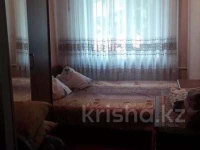 3-комнатная квартира, 60 м², 2/4 этаж помесячно, Койгелди 161 — Ниеткалиева за 90 000 〒 в Таразе — фото 3