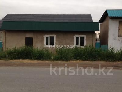 4-комнатный дом, 170 м², 10 сот., мкр Жулдыз-2, Закарпатская 148 за 29 млн 〒 в Алматы, Турксибский р-н