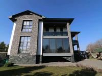 8-комнатный дом, 580 м², 30 сот., мкр Нур Алатау за ~ 369.8 млн 〒 в Алматы, Бостандыкский р-н
