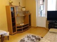 2-комнатная квартира, 75 м², 2/4 этаж помесячно