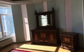 5-комнатная квартира, 194 м², 16/16 этаж помесячно, Абылхайыр хана 44в за 160 000 〒 в Актобе