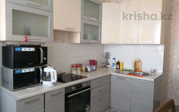 2-комнатная квартира, 65 м², 4/16 этаж помесячно, Рыскулбекова за 120 000 〒 в Нур-Султане (Астана), Алматы р-н