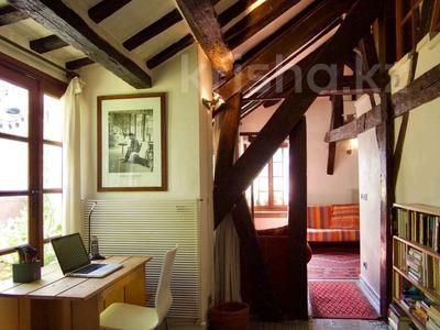 4-комнатная квартира, 82 м², 3/4 этаж, 75004 за 554 млн 〒 в Париже — фото 6